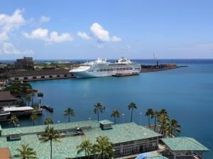 Kreuzfahrtschiff in Honolulu